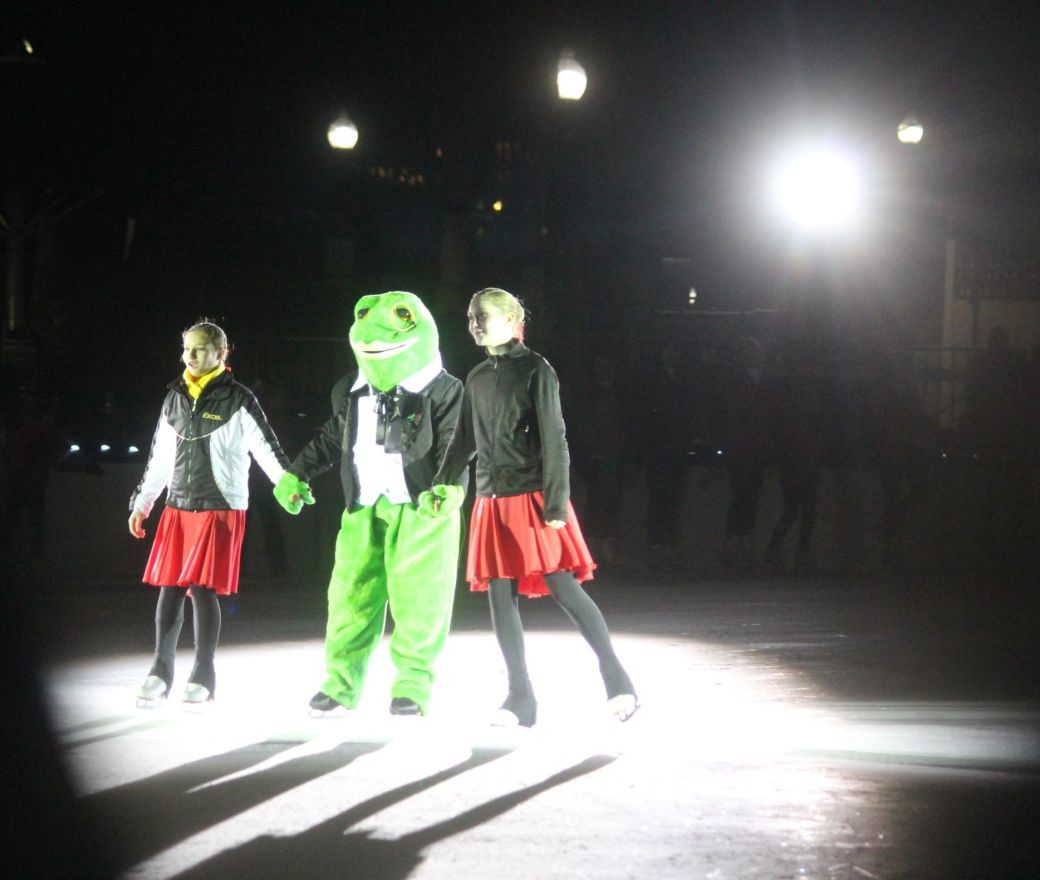 boston common christmas tree lighting december 3 2015 skating club of boston frog