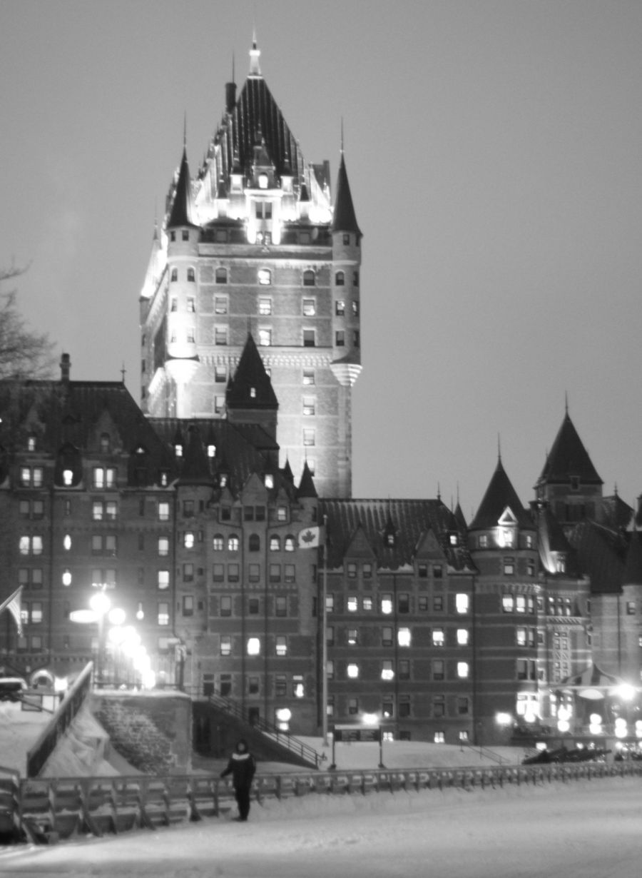 quebec city chateau frontennac night