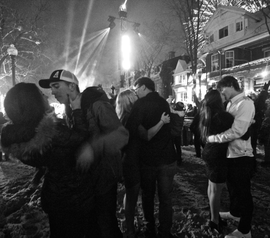 quebec city new years celebration december 31 2015 couples kissing 2