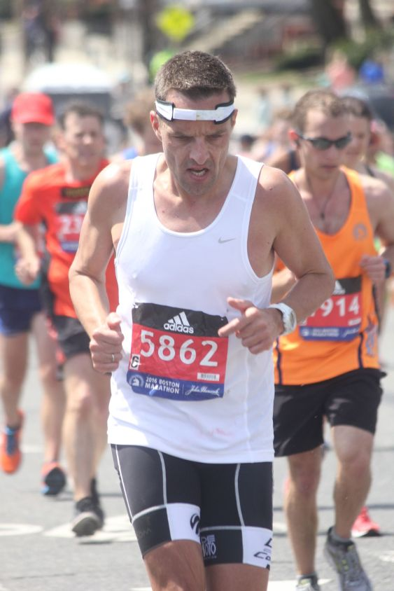 boston marathon april 18 2016 group runner 5862