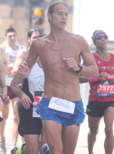 boston marathon april 18 2016 group tall runner