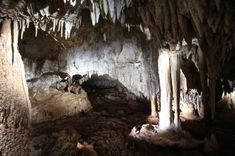 cayman island chrystal caves view 17