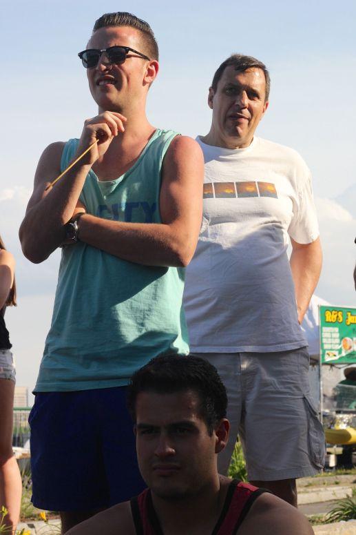 cambridge riverfest people watching street performer 2