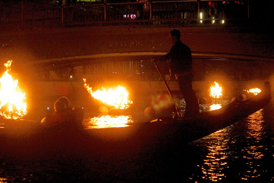 providence-rhode-island-waterfire-festival-october-1-2016-5