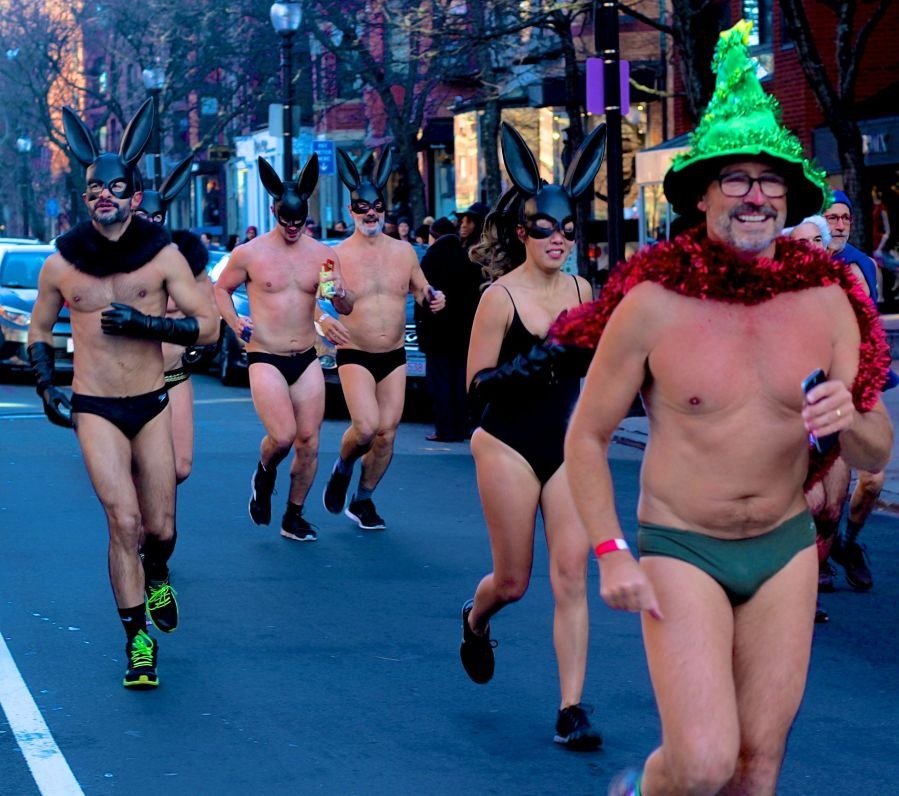boston-santa-speedo-run-december-10-2016-17