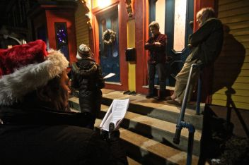 cambridge-christmas-caroling-2016-11