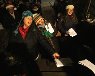 cambridge-christmas-caroling-2016-9