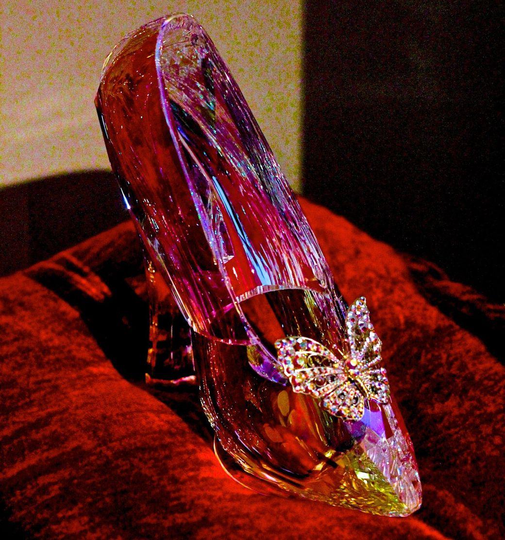 salem-peabody-essex-shoe-exhibit-1