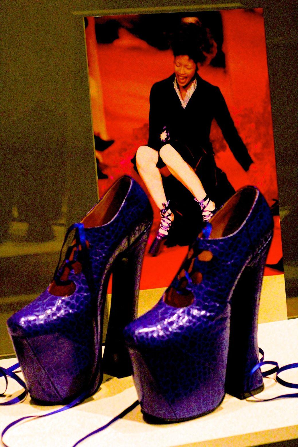 salem-peabody-essex-shoe-exhibit-2