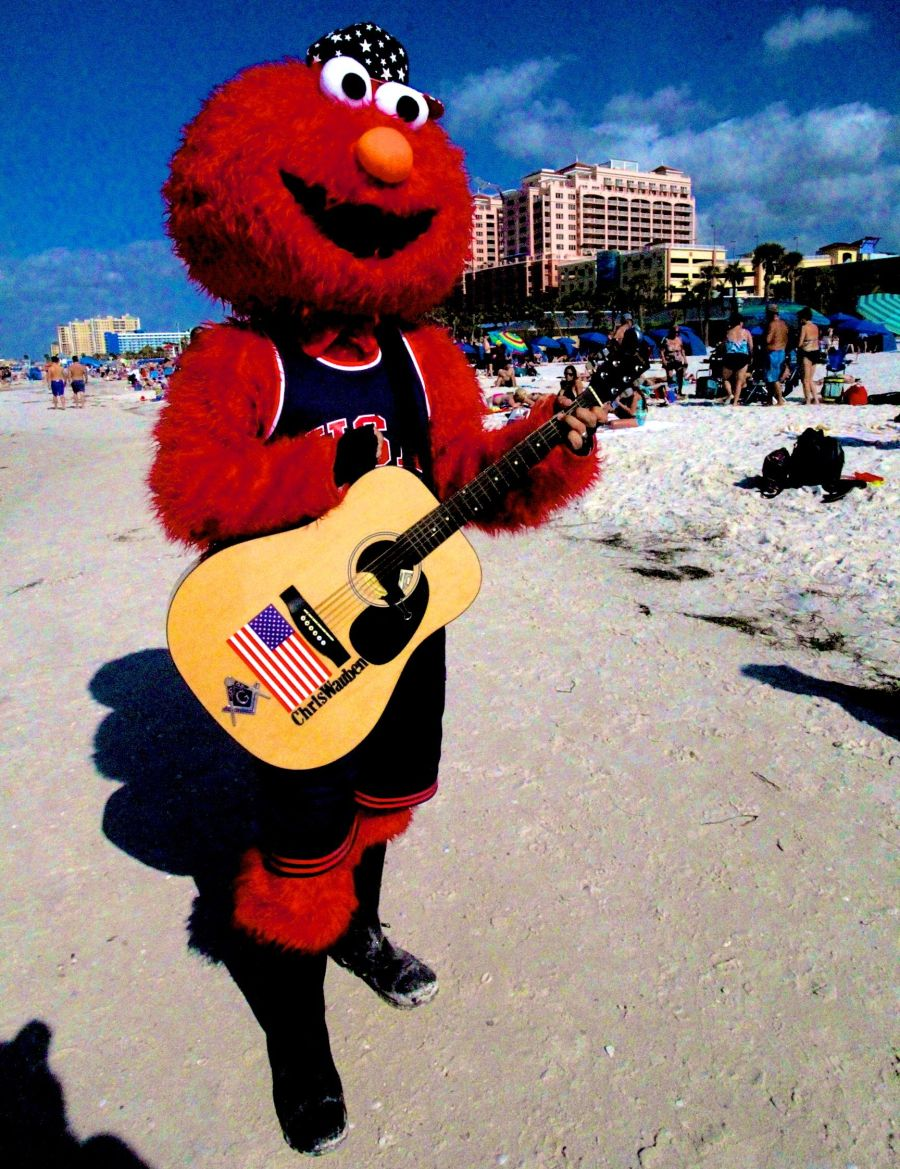 clearwater-beach-man-in-red-costume
