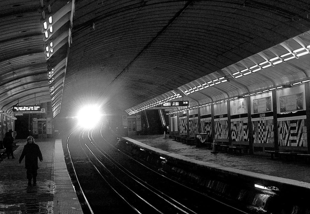 boston aquarium station black white