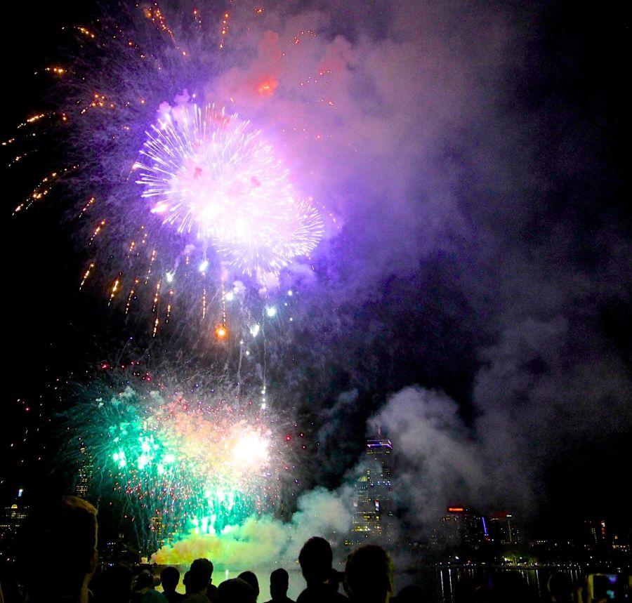 cambridge charles river fireworks 16