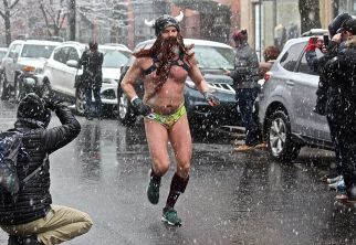 boston santa speedo run december 9 2017 12