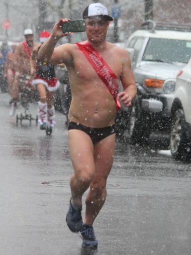 boston santa speedo run december 9 2017 25