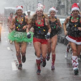 boston santa speedo run december 9 2017 26