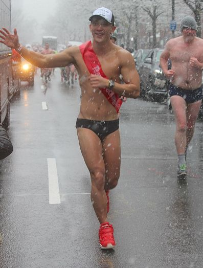 boston santa speedo run december 9 2017 31