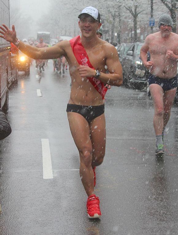 boston santa speedo run december 9 2017 31