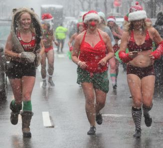 boston santa speedo run december 9 2017 50