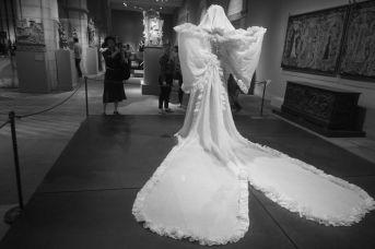 new york city metropolitan museum of art heavenly bodies exhibit 17