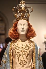 new york city metropolitan museum of art heavenly bodies exihibit 5