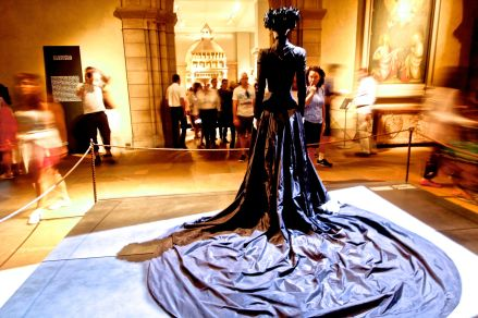 new york city metropolitan museum of art heavenly bodies exihibit 8 alexander mcqueen dress