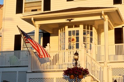 winthrop house white sunset flag