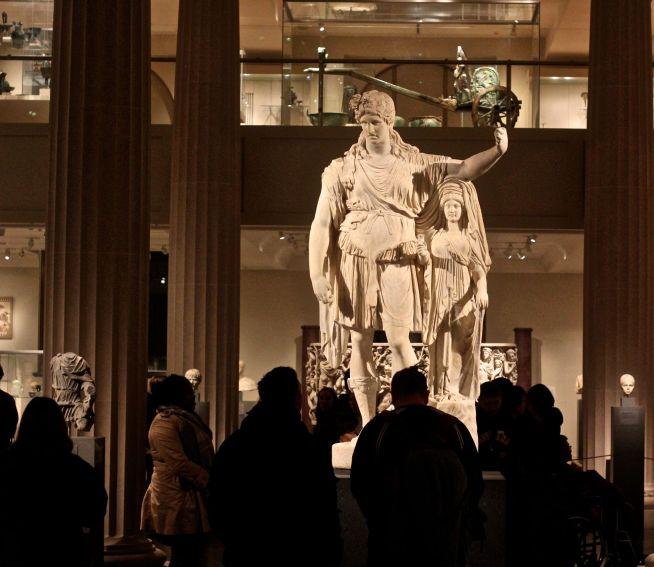 new york metropolitan museum of art greek statue