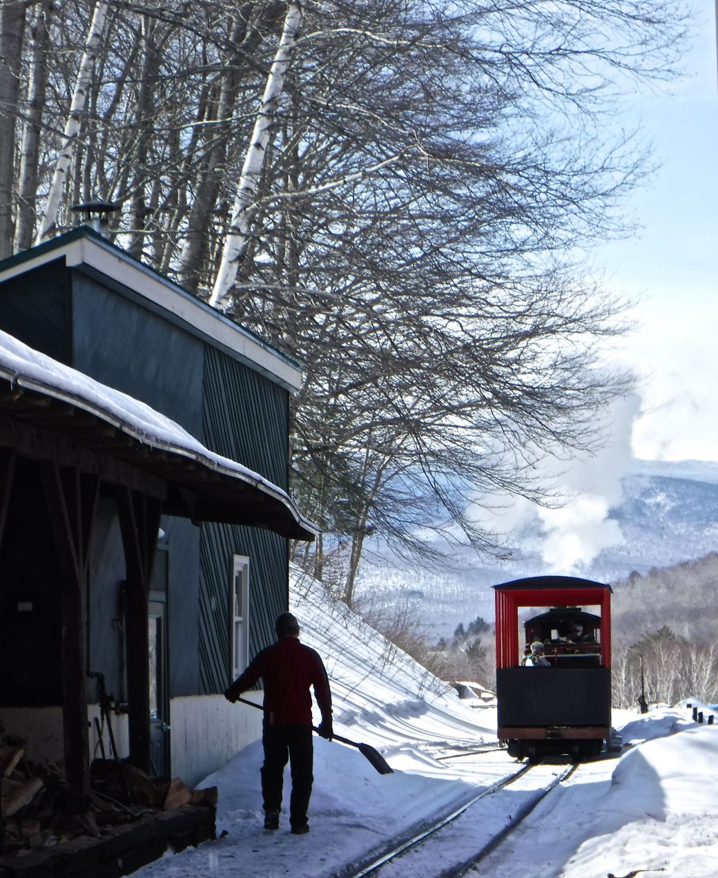 new hampshire loon ski resort steam train 1