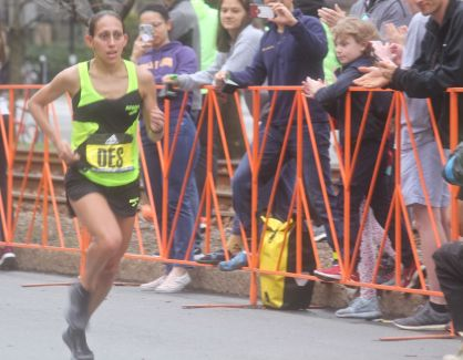 boston marathon april 15 2019 desiree linden
