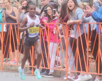 boston marathon april 15 2019 women's winner worknesh degefa