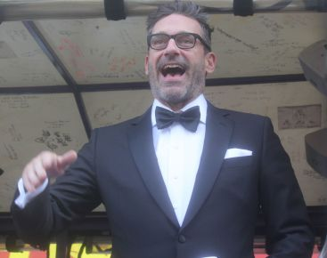 cambridge harvard may 9 unbreakable kimmy schmidt parade award jon hamm 2