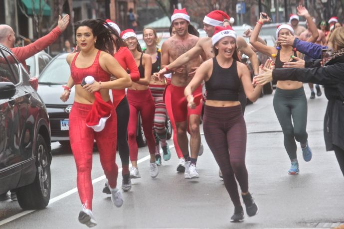 boston santa speedo run 2019 22