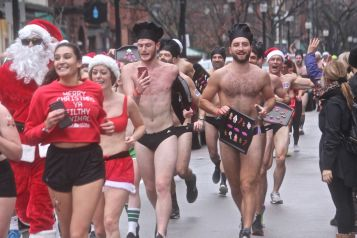 boston santa speedo run 2019 26