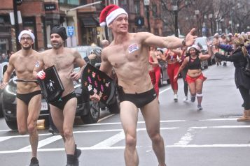 boston santa speedo run 2019 27