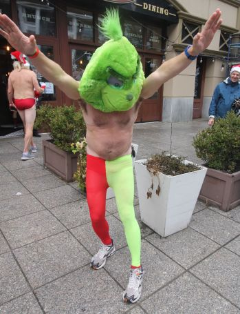 boston santa speedo run 2019 36