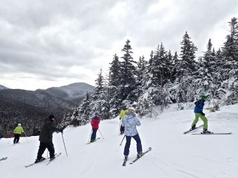 bretton woods ski resort skiers