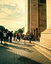 paris arc de triomphe people shadows slides 2001