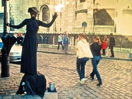 paris street street performer slides 2001